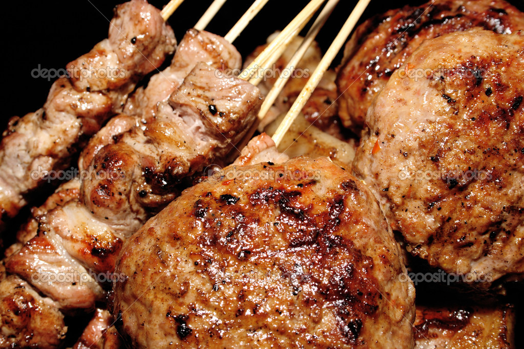 Barbecue, delicious meat ready to be served — Stock Photo #2105524