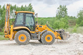 Excavator digging — Stock Photo