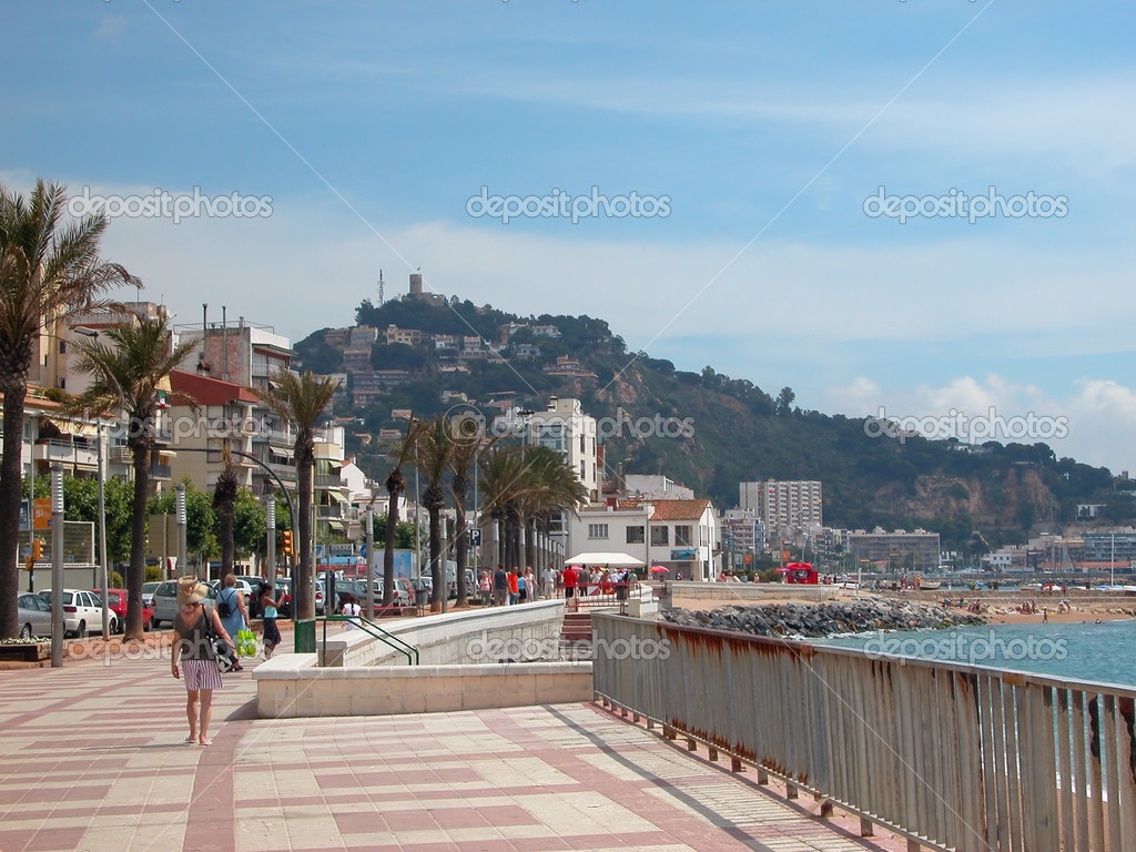 Walking promenade on the Mediterranean Sea. Blanes - Catalonia, Spain — Stock Photo #2338233