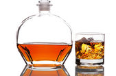 Whiskey Decanter and Glass of Ice — Stock Photo