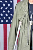 Veteran with Crutch — Stock Photo