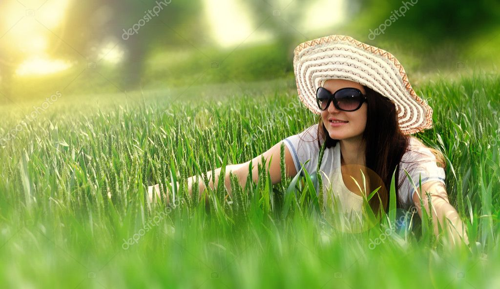 Dream Girl Pictures Dreaming Girl in a Field And