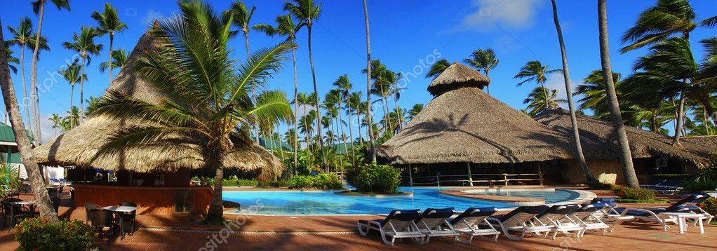 Exotic swimming pool in Dominican Republic, punta cana — Stock Photo #2078443