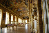 Golden room in Louvre — Stock Photo