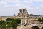 Louvre museum building exterior, Paris — Stock Photo