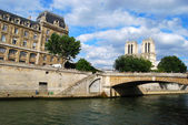 Seine river and Louvre — Foto de Stock