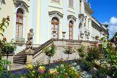 高貴な宮殿 - 側面への入り口。l — ストック写真