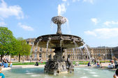 Fountain on Schlossplatz in Stuttgart — Stock Photo