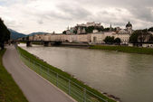 Salzach river and Salzburg — Stock Photo
