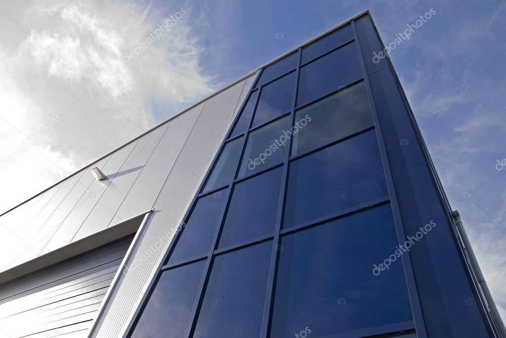 Modern glass architechtectural design commercial building — Stock Photo #2126536