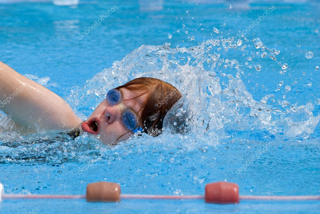 Girl swimming during a competition — Stock Photo #2138955