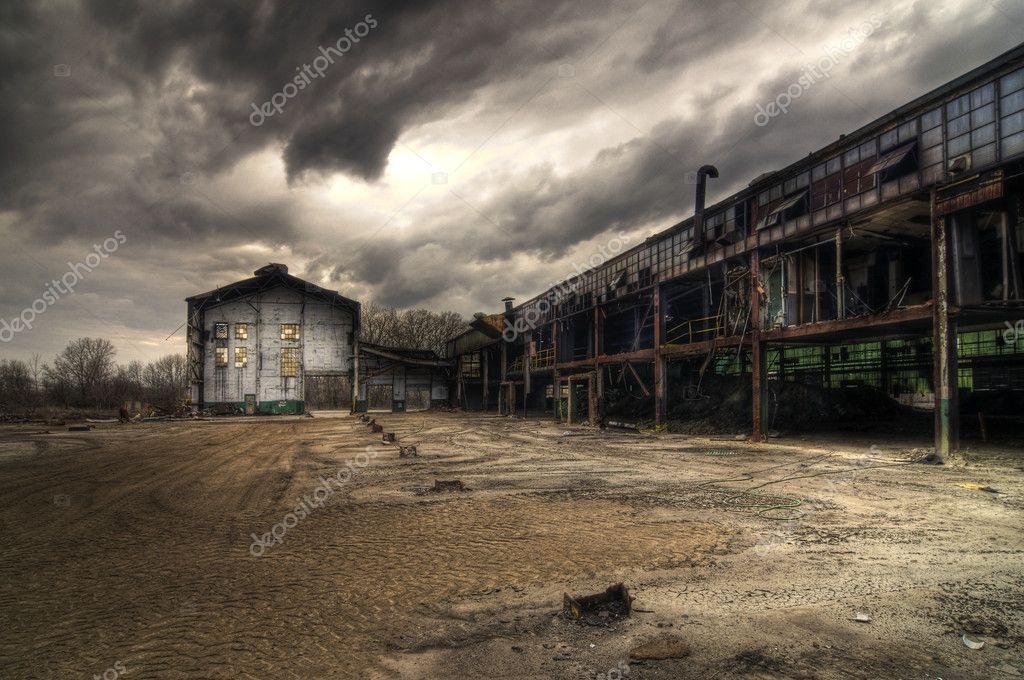 Partially Demolished and Abandoned Industrial Buildings — Stock Photo #2039273