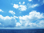 Sea landscape with cloudy sky — Stock Photo