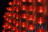 Chinese red lanterns at night — Photo