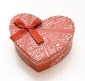 美しい赤い手作りの心の贈り物 — ストック写真