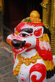 Escultura antiga colorida do nepal — Fotografia Stock