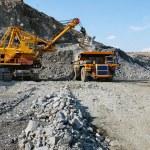 Loading of iron ore — Stock Photo #2072912