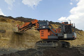 The big dredge digs — Stock Photo