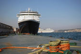 The big liner in port at a mooring — Stok fotoğraf