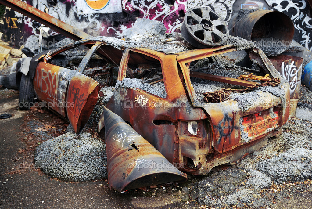 Rear view of an old rusted car