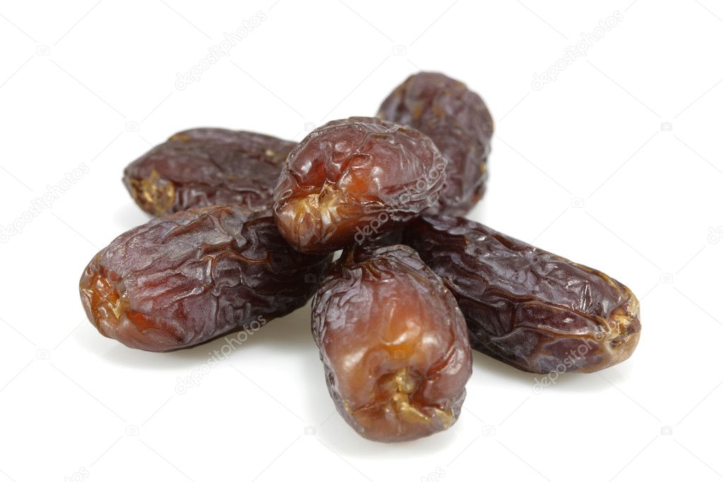Close up view on dates fruits isolated on white — Stok fotoğraf #2386971
