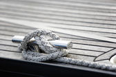 """Cleat hitch"" knot on knight — Foto Stock"