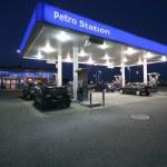 Night-time Petro Station — Stock Photo