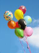 彩色的方气球一堆 — 图库照片