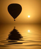 Hot Air Balloon and the Sun — Stock Photo