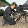 Stockfoto: Checking motorcycle