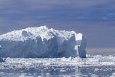 Huge iceberg — Stock Photo