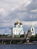 大教堂在克里姆林宫的普斯科夫 — 图库照片