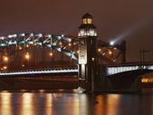 łuk piter wielki most — Zdjęcie stockowe