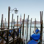 gondel in Venetië — Stockfoto #2365409
