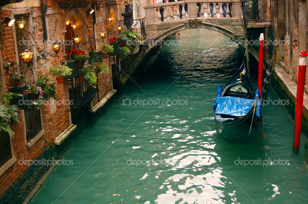 Photo of romantic restaurant in Venice — Stock Photo #2430914