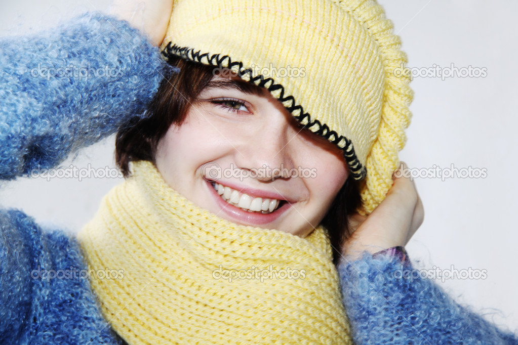 Beautiful young woman with winter clothes  Stock Photo #2149541