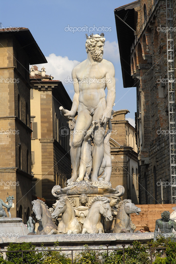 Statue of Neptune in the Palazzo Vecchio, Florence,Italy — Stock Photo #2241369