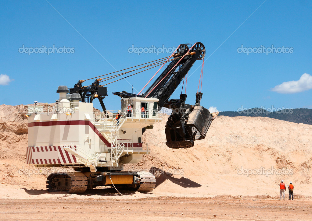 The big dredge in career extraction of silver ore in Mexico — Stock Photo #2234328