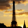 Stock Photo: Eiffel tower in dusk