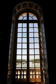 Grande finestra del palazzo reale — Foto Stock
