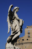 Angel statue and castle building of Rome — Stock Photo