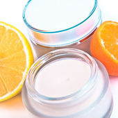 Revitalizing cream — Stock Photo