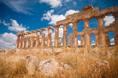 Greek temple in Selinunte — Stock Photo