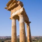 Greek temple — Stock Photo