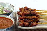 A plate of Chicken Satay — Stockfoto