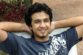 молодой индийский мужчина — Стоковое фото