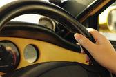 Ruce na volant — Stock fotografie