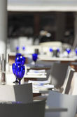 Table setting in a restaurant — Stock Photo