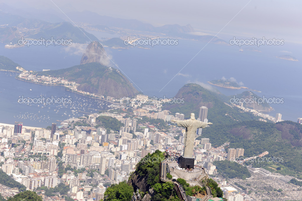 Aerial view of Christ Redeemer and Sugarloaf in Rio de Janeiro — Foto Stock #2283235