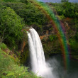 Waterfall in Kauai Hawaii With Rainbow — Foto Stock